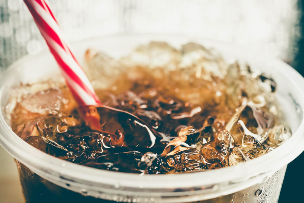 diet soda in cup with ice