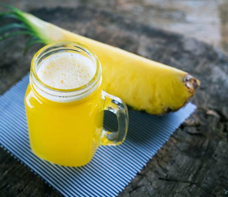 freshly pressed pineapple juice