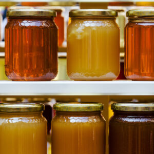 multiple varieties of different types of manuka honey