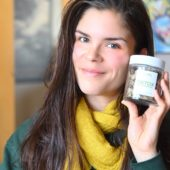 photo of carly fraser with jar of detox facial steam tea by teami